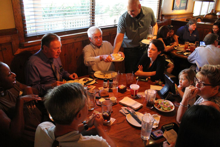Outback Steakhouse Love Lunch